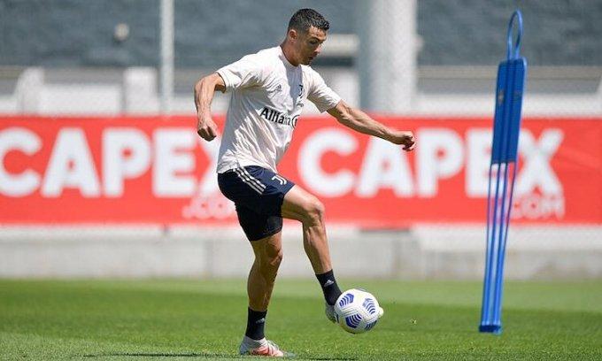 Ronaldo trong buổi tập trước trận Juventus gặp Milan vào ngày 8/5. Ảnh: Juventus FC.