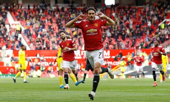 Cavani ghi bàn thứ 10 ở Ngoại hạng Anh mùa này, dù mới đá chính 13 trận. Ảnh: AFP