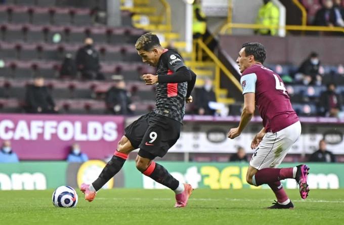 Firmino là chủ nhân bàn mở tỷ số cho Liverpool trong thắng lợi quan trọng trước Burnley hôm qua 19/5. Ảnh: Reuters