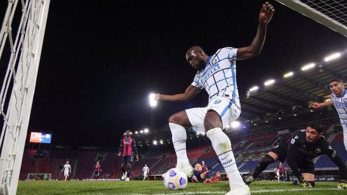 Lukaku là khác biệt quan trọng giúp Inter vô địch Serie A mùa này, sau chín năm dài chờ đợi. Ảnh: Lapresse