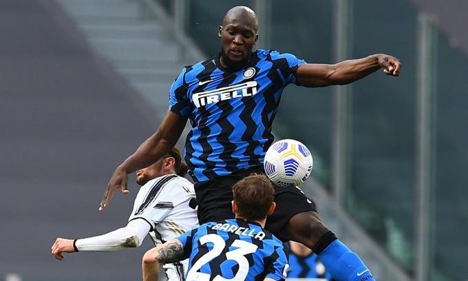 Với Inter, Lukaku bước lên một tầm cao mới trong sự nghiệp khi vô địch Serie A và được thừa nhận rộng rãi như là một trong những tiền đạo hay nhất thế giới. Ảnh: Inter.it