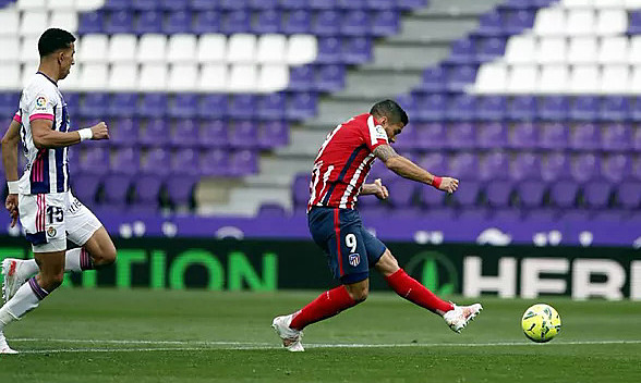 Bàn thắng của Suarez đem về ngôi vương La Liga cho Atletico Madrid. Ảnh: Marca
