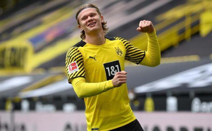 Haaland ghi 27 bàn và có tám kiến tạo tại Bundesliga 2020-2021. Ảnh: Sky.