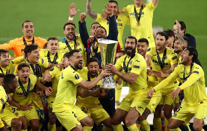 Các cầu thủ Villarreal mừng chức vô địch Europa League. Ảnh: Reuters.