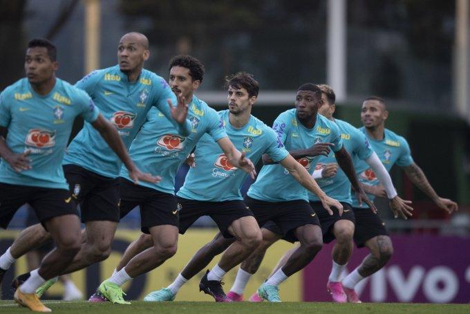 Các tuyển thủ Brazil tập luyện tại Porto Alegre chuẩn bị cho hai trận đấu Colombia rồi Paraguay ở vòng loại World Cup 2022. Ảnh: CBF