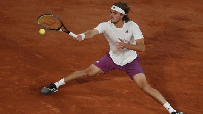 Tsitsipas có 40 điểm winner trong trận gặp Isner. Ảnh: ATP
