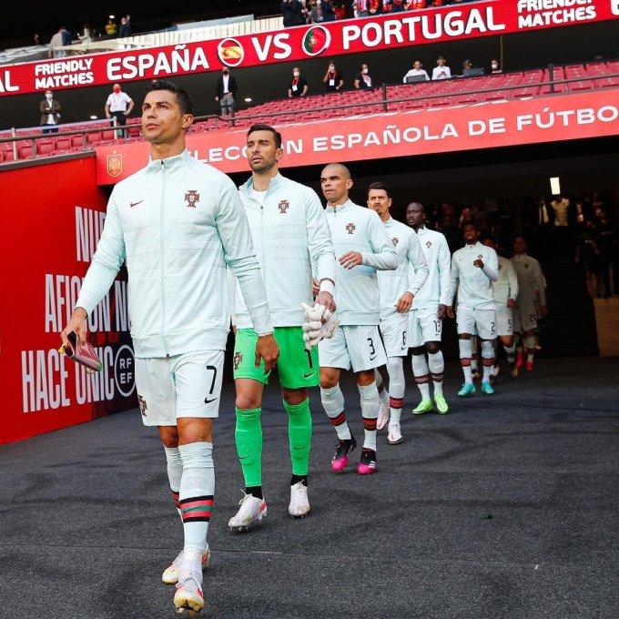 Bồ Đào Nha đang có một tập thể kết hợp hài hoà nhiều cầu thủ dày dạn kinh nghiệm và một số ngôi sao lứa kế cận sáng giá cho mục tiêu bảo vệ chiếc cúp Henry Delaunay. Ảnh: Seleccion Portugal
