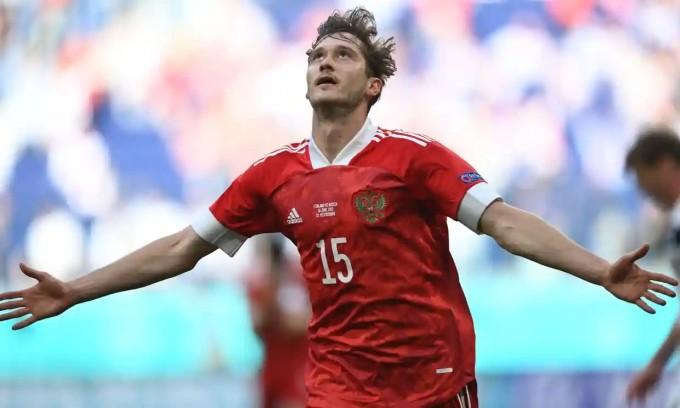 Phút tỏa sáng của Miranchuk giúp Nga giành chiến thắng quan trọng trước Phần Lan. Ảnh: AFP.