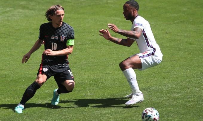 Modric và đồng đội không thể hiện được nhiều trong trận ra quân gặp tuyển Anh. Ảnh: AFP.