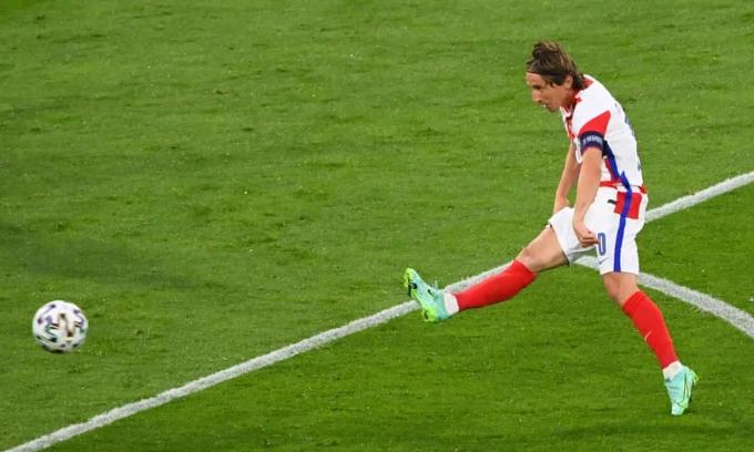 Modric giữ kỷ lục cầu thủ trẻ nhất lẫn già nhất của Croatia ghi bàn tại Euro.