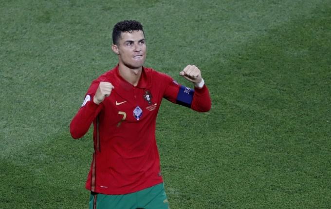Ronaldo ghi 127 bàn cho các cấp độ đội tuyển Bồ Đào Nha, từ U15 tới ĐTQG. Ảnh: Goal
