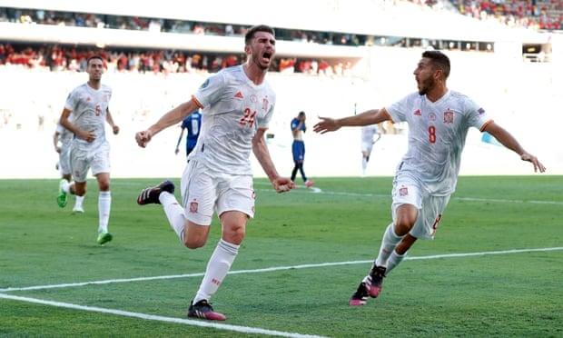 Laporte ghi bàn đầu tiên cho ĐT Tây Ban Nha. Ảnh: Reuters