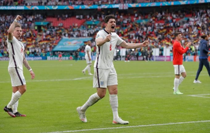 Maguire phấn khích với thắng lợi của tuyển Đức. Ảnh: Guardian