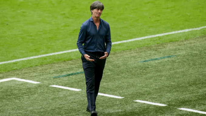 Joachim Low chia tay Euro 2021 sau thất bại dưới tay tuyển Anh. Ảnh: imago