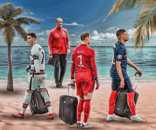 Ronaldo, Mbappe và Neuer cũng phải kéo vali về nước như Rossi. Ảnh: Instagram.