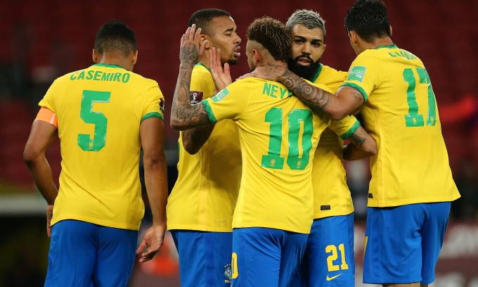Cầu thủ Brazil mừng chiến thắng trước Chile. Ảnh: Reuters