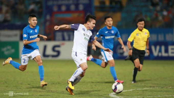V-League sẽ có thêm thời gian để tổ chức thi đấu khi Hà Nội FC và Sài Gòn FC không phải đi đá AFC Cup. Ảnh: Lâm Thoả