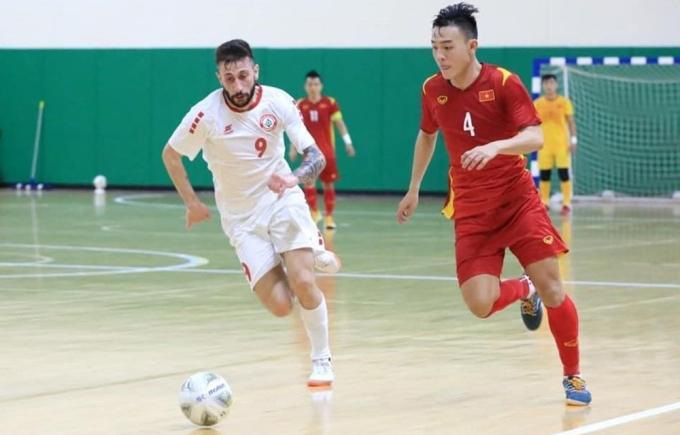 Việt Nam hoà Lebannon 0-0 và 1-1 ở hai trận play-off, giành vé dự World Cup nhờ luật bàn thắng sân khách.