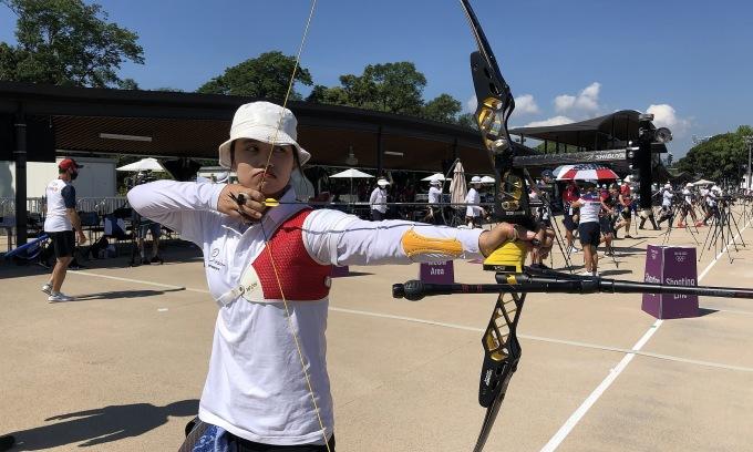 Ánh Nguyệt bắn thử hôm 22/7 tại công viên thể thao Yumenoshima, Tokyo, Nhật Bản. Ảnh: Đoàn TTVN