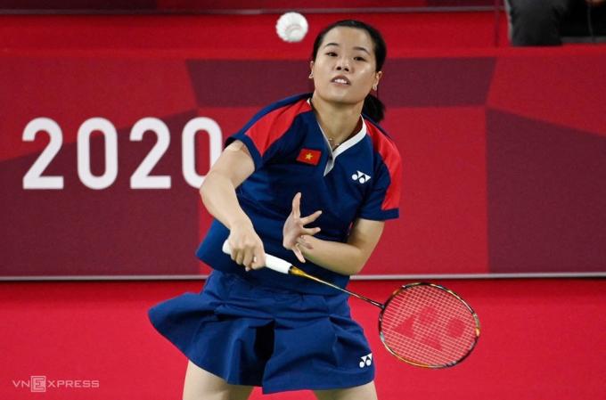 Thuỳ Linh trong trận thắng 2-0 trước Sabrina Jaquet sáng 28/7. Ảnh: AFP