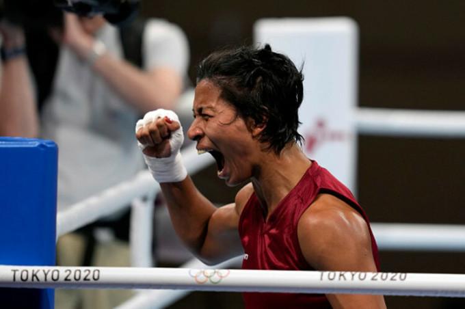 Borgohain ăn mừng sau khi giành quyền vào chơi trận bán kết hạng bán trung nữ Olympic Tokyo. Ảnh: NY Post