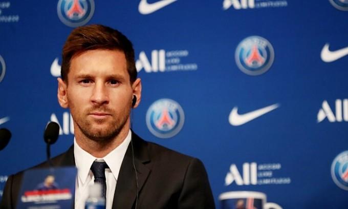 Messi trong họp báo đầu tiên cùng PSG. Ảnh: Reuters