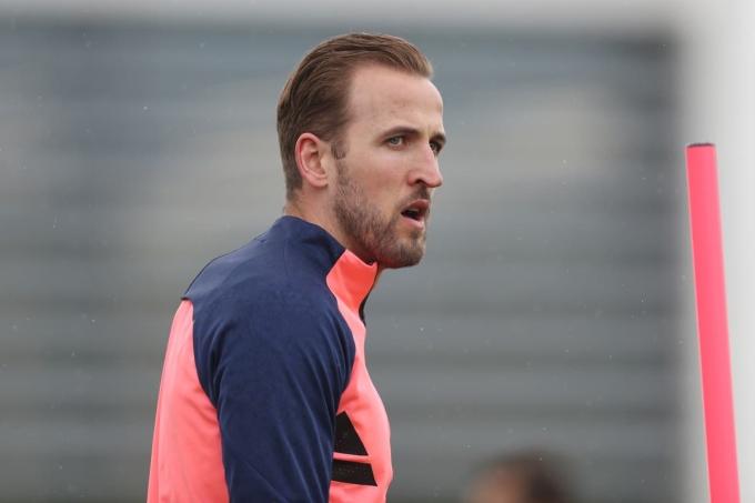 Kane không giành danh hiệu nào cùng Tottenham suốt 10 năm qua, dù luôn là chân sút hàng đầu Ngoại hạng Anh. Ảnh: Goal