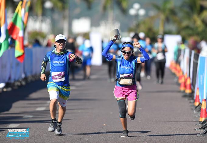 Runner về đích tại giải VM Quy Nhơn 2020. Ảnh: VnExpress Marathon.