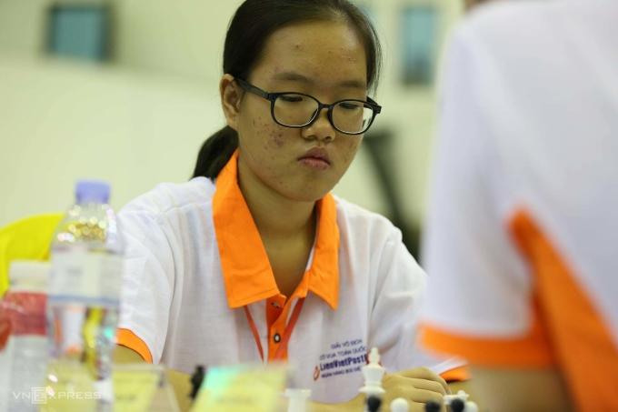 Vũ Bùi Thị Thanh Vân thắng liền ba đối thủ Elo trên 2100 ở vòng chung kết Cup cờ vua trẻ thế giới online. Ảnh; Xuân Bình