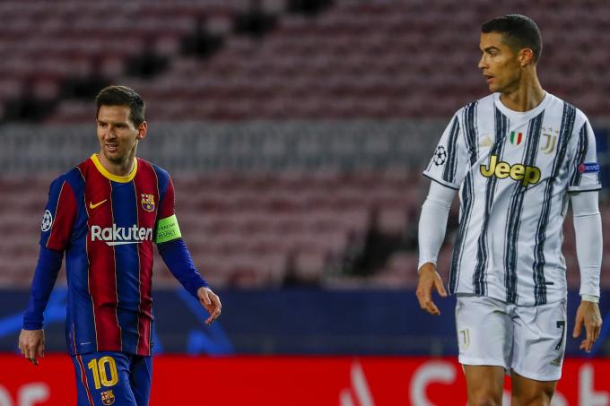 Ronaldo từng cùng Juventus thắng Barca của Messi 3-0 ngay tại Camp Nou ở lượt trận cuối vòng bảng Champions League hôm 8/12/2020. Ảnh: AP
