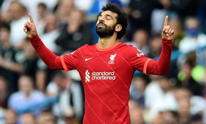 Salah mừng bàn thứ 10 ở Ngoại hạng Anh. Ảnh: Reuters