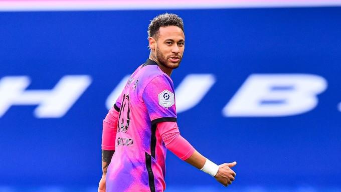 PSG chấp nhận chi nhiều tiền để đổi lấy sự ngoan ngoãn của Neymar. Ảnh: CFG