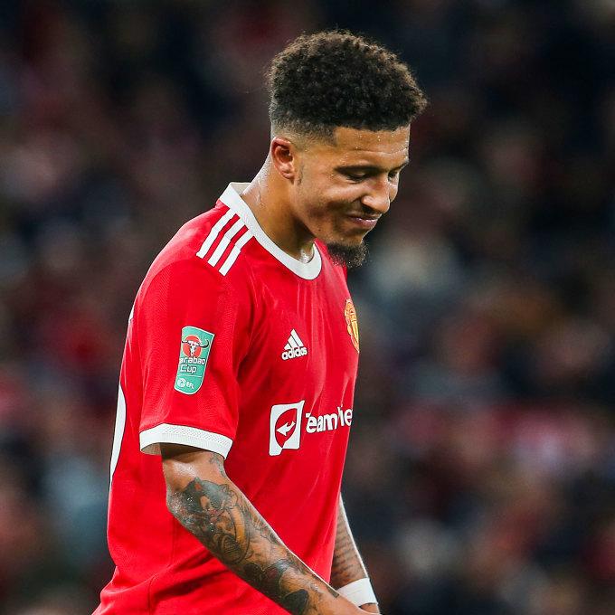 Sancho chán nản sau một pha xử lý hỏng trong trận Man Utd thua West Ham 0-2 ở Cup Liên đoàn Anh hôm 22/4.  Qua sáu trận đã đấu cùng Man Utd, tân binh này đá 238 phút, dứt điểm hai cú, tạo ra ba cơ hội, nhưng chưa ghi bàn hay kiến tạo.  Ảnh: AFP