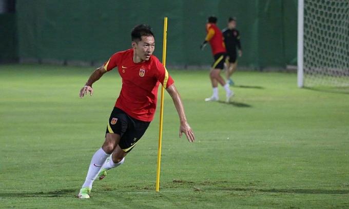 Cầu thủ Trung Quốc đã luyện 20 ngày ở UAE. Ảnh: Sohu