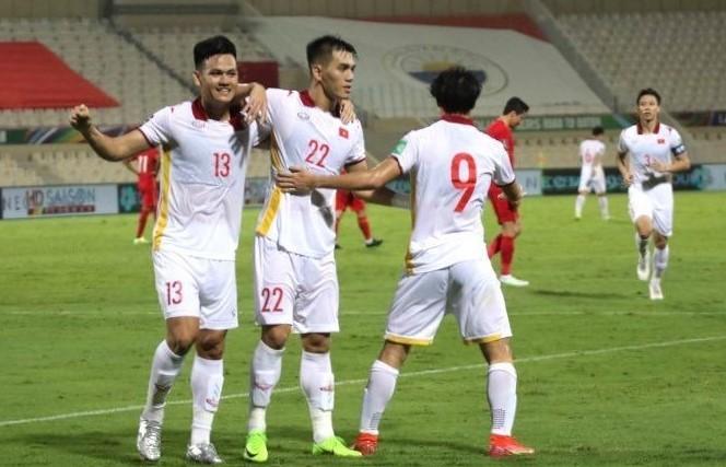 Tấn Tài và Tiến Linh ghi hai bàn trong vòng 10 phút cho Việt Nam. Ảnh: Ted Trần.