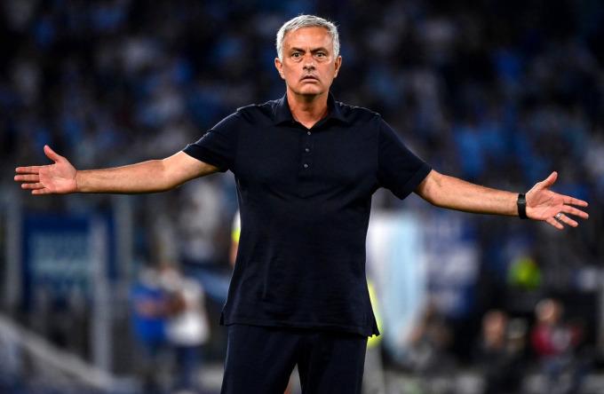 Jose-Mourinho-incredulous-4777-1634174297.jpg?w=680&h=0&q=100&dpr=1&fit=crop&s=F--9g828VCNiuO4JB-AsBQ