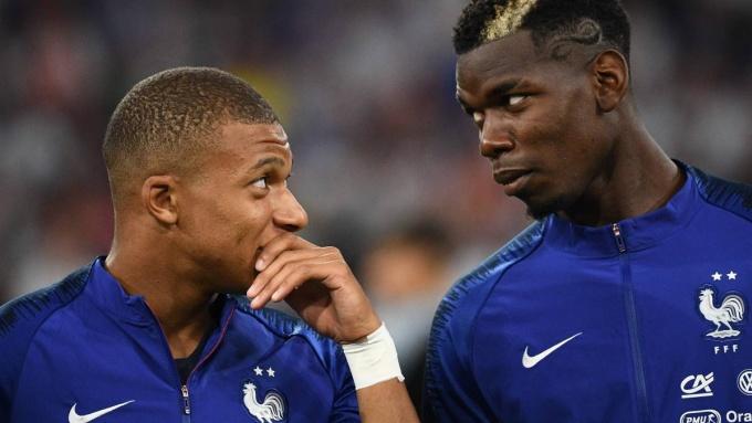 Mbappe và Pogba rất hợp nhau ở tuyển Pháp. Ảnh: Reuters.